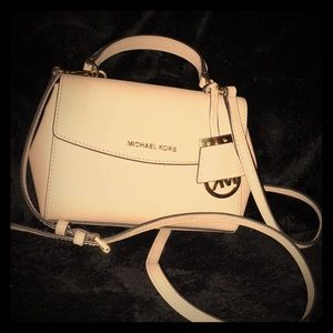 Authentic pink Michael Kors purse.